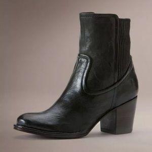 Frye Women's Lucinda Scrunch Short Boot Sz 8
